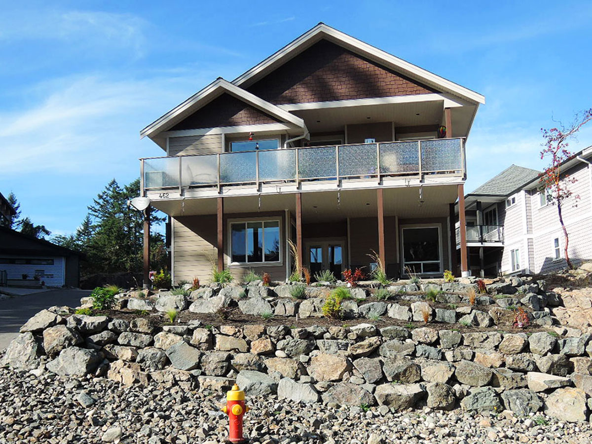 rock-wall-nanaimo-contractor